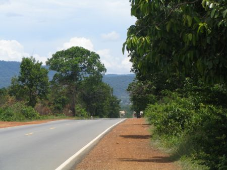 how to get from phnom penh to sihanoukville