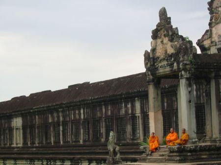 temple ankor en moto